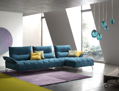 Déco salon : j'ose la couleur pour mon canapé !