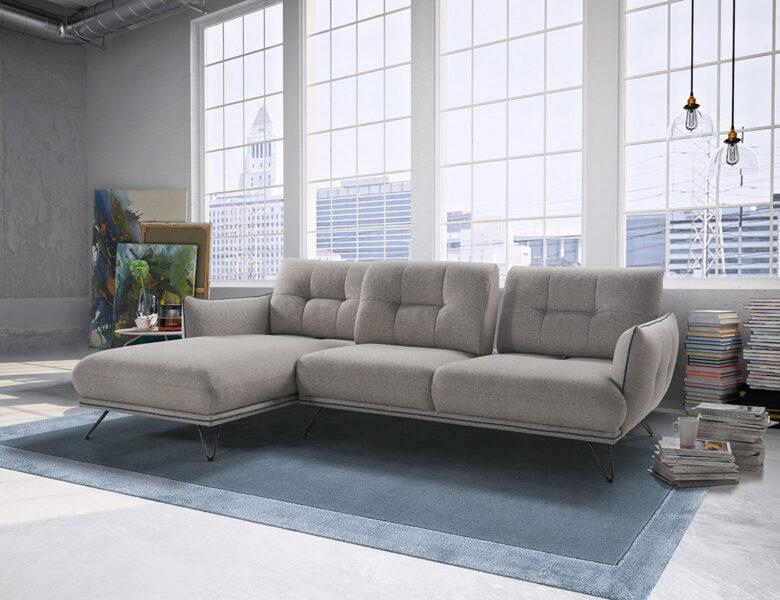 Osez le confort et la modularité d'un canapé avec dossier reculant !